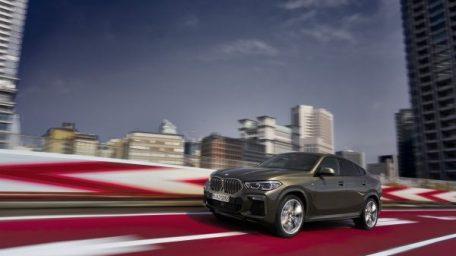 Η νέα BMWX6 συνδυάζει την ευελιξία και προσαρμοστικότητα ενός SAV με τη γοητεία ενός coupe.