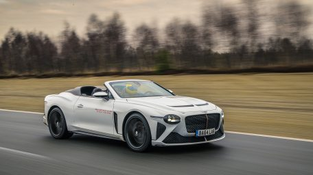 H νέα Bentley Bacalar μπαίνει στο τελικό στάδιο δοκιμών σε πραγματικές συνθήκες