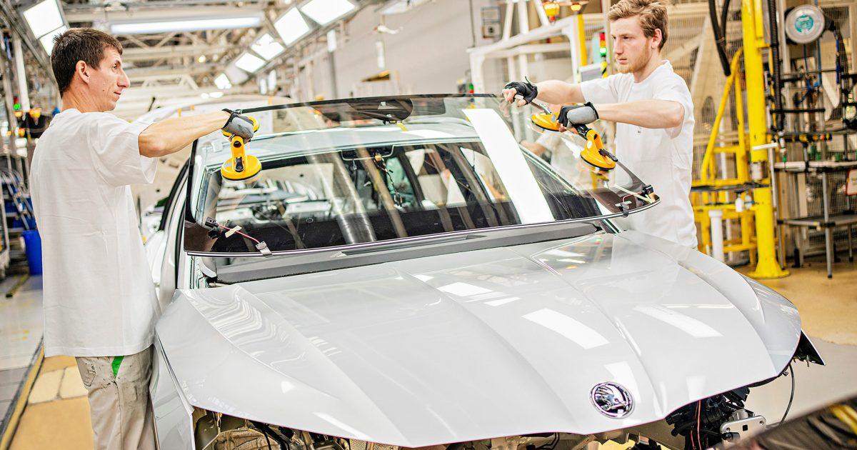 Το ηλεκτρικό SUV της SKODA, το ENYAQ iV στην ίδια γραμμή παραγωγής με την OCTAVIA και το KAROQ