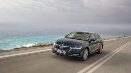 """Η SKODA OCTAVIA υποψήφια για το πανευρωπαϊκό βραβείο """"Car of the Year"""""""
