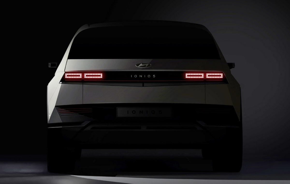 Η Hyundai Motor Company παρουσίασε τις πρώτες teaser φωτογραφίες του επερχόμενου IONIQ 5 CUV
