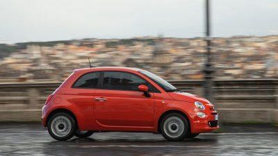 Η νέα σειρά Fiat 500 είναι διαθέσιμη στην Ελλάδα φέρνοντας τον αέρα της «Dolce Vita»