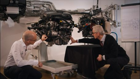 Περί κινητήρων BMW M: Η BMW M4 συναντά την BMW M4 GT3