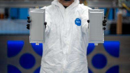 Το BMW Group Ενισχύει τον Ηγετικό Ρόλο του στην Τεχνολογία Μπαταριών